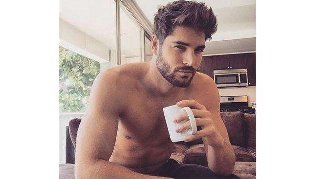 cuenta-menandcoffee-recoge-chicos-guapos_MDSIMA20150315_0028_11.jpg
