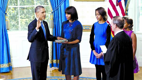 Obama-Casa-Blanca-Biblia-AP_CLAIMA20130121_0041_30.jpg
